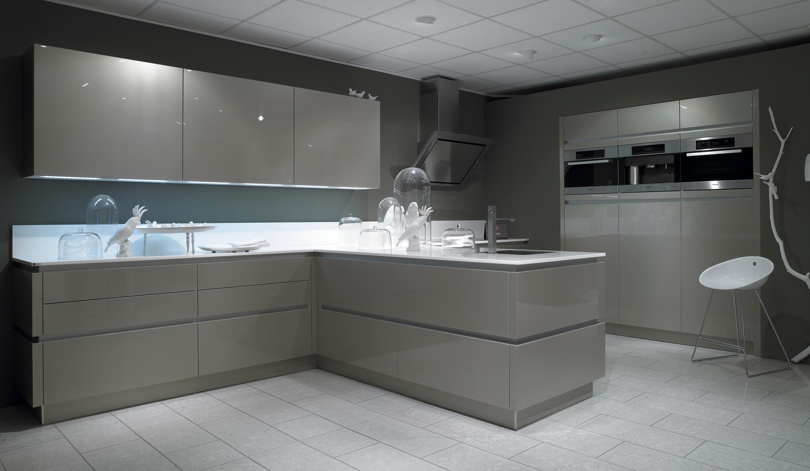 nouvelles portes pour 2013. Black Bedroom Furniture Sets. Home Design Ideas